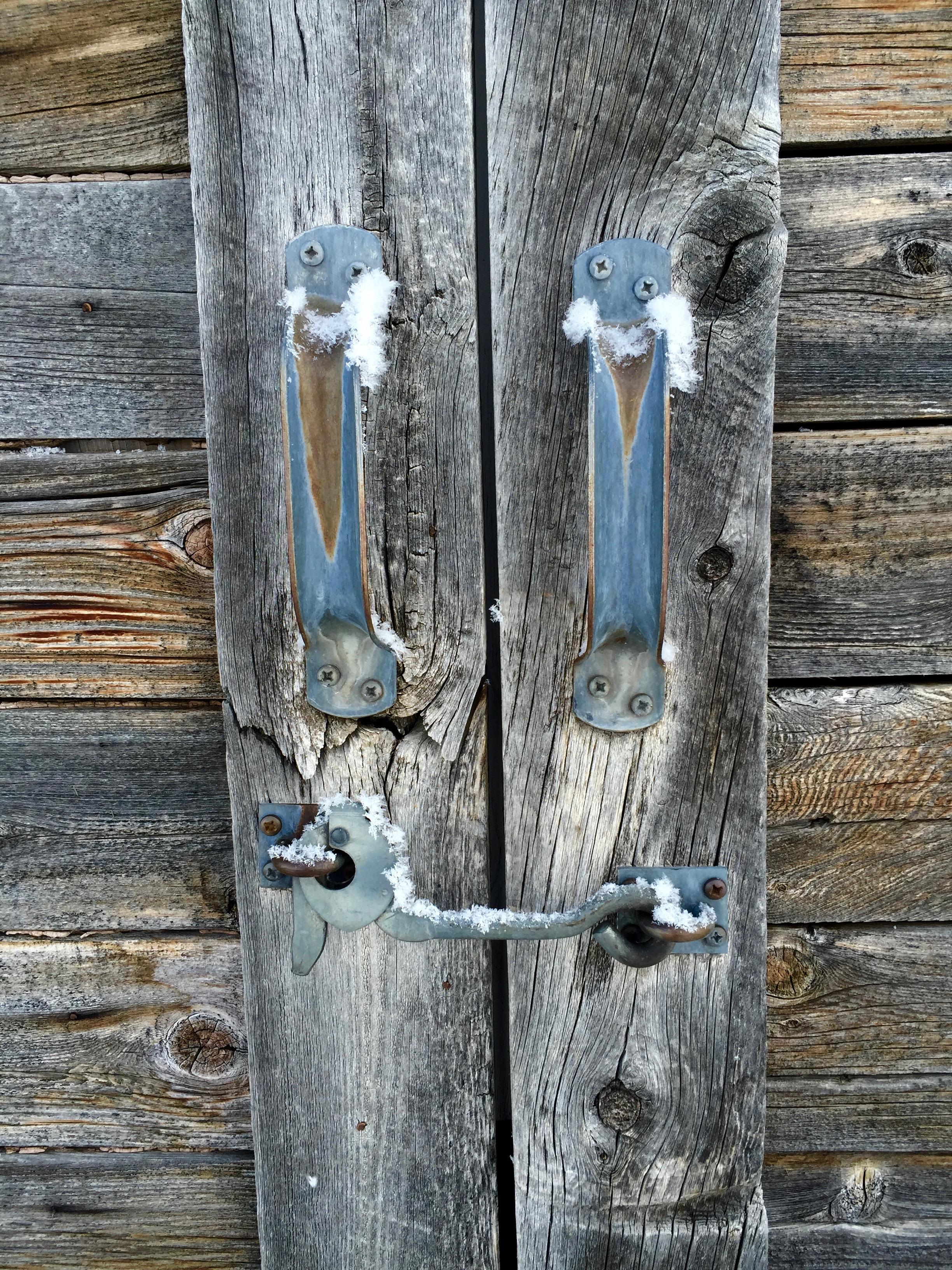 frosty barn handles