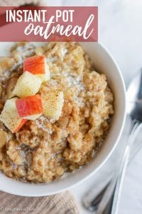 Apple cinnamon Instant Pot Oatmeal is a delicious breakfast that cooks in just 3 minutes! An easily customizable base oatmeal recipe that is easy to make and keep warm before the kids wake up for a good breakfast on a busy morning! #breakfast #instantpot #oatmeal #instantpotoatmeal #instantpotbreakfast #oatmealbreakfast #applecinamon #applecinnamonoatmeal #appleoatmeal #oldfashionedoatmeal #homemadeoatmeal #homecookedbreakfast #homecooking #fromscratch