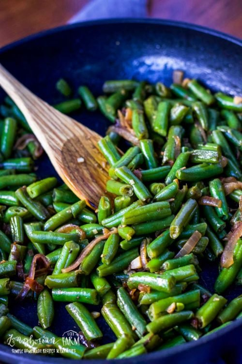 Learning how to cook frozen green beans makes having a veggie side dish for dinner easy! Simple and flavorful and done in minutes. #frozengreenbeans #frozengreenbeanrecipes #howtocookfrozengreenbeans #frozengreenbeanrecipe #frozengreenbeansauteed