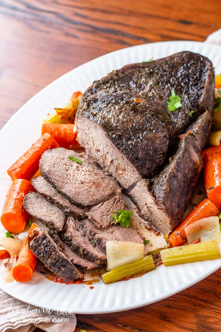 Learning how to make roast beef is easy and makes a delicious meal for any day of the week.Make it in the slow cooker for a hands-free dinner! #roastbeef #roastbeefcrockpotrecipe #roastbeefrecipe #roastbeefcrockpot #roastbeefdinner #howtomakeroastbeef #bestroastbeef #easyroastbeef #roastbeefslowcooker #roastbeefslowcooked