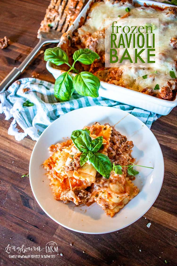 Frozen ravioli bake is a delicious and quick weeknight meal! Easy to prepare and tastes amazing. The whole family will love this tasty recipe. #raviolibake #ravioli #bakedravioli #raviolicasserole #pastabake #pastabakerecipe #bakedraviolirecipe