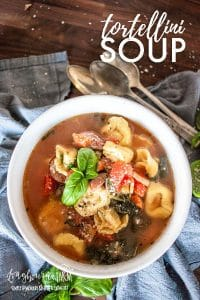 Tortellini soup is that easy, quick and filling dinner dish you wish you found earlier. Packed with fresh veggies, sausage and tortellini in every bite. #soup #tortellini #tortellinisoup #pastasoup #souprecipe #howtomakesoup #easysoup #tortellinisouprecipe